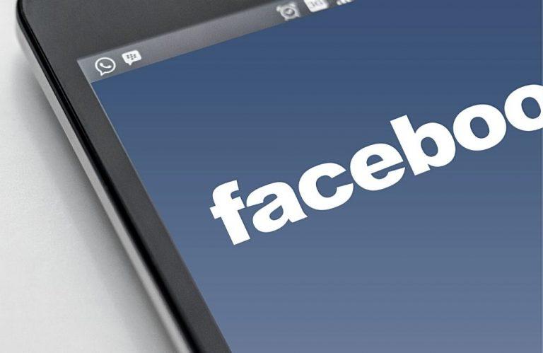 facebook screen on mobile